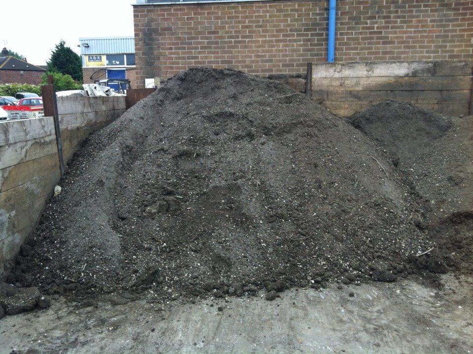 10 Tons Of Dirt : Free top soil